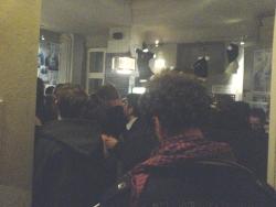 Zuschauerschlange vor dem Eröffnungsfilm